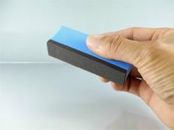 コーティング剤を塗り伸ばすスポンジ部分の面積の最適化と特殊な微細発泡スポンジがムダを排除
