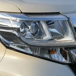 樹脂用のコーティングですので、大半の車に採用されているポリカ製のヘッドライトをはじめとしたライト類のコーティングにも使用できます