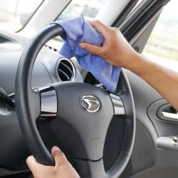 マイクロファイバーセームは全体がマイクロファイバーの超極細繊維でできているため汚れの除去力に非常に優れ車内外のカーケアに最適です