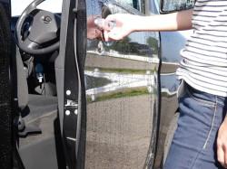 車も洗えるコーティング剤、ウォッシャブルコーティング「マジックベール」のコーティングは満足度の高い触感と美しい撥水効果を持ちます