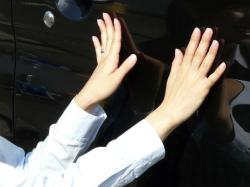 2重のコーティング被膜で愛車のボディーを守るガラスコーティングW-SHIELDはツルッツルの最高の触り心地