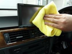 高級マイクロファイバータオル【エキスパート】は車内インテリアやダッシュボード等のクリーニングにもオススメ