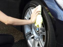 車のガラスコーティング  ハイブリッドナノガラス コーティング前処理 タイヤコーティング ベーシック6