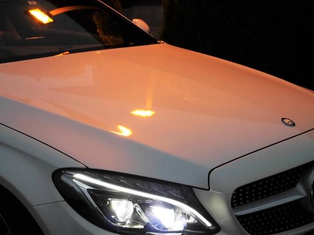 車のキズ消しカーコーティングで人気のスーパーゼウスとデポジットやシミを落とすカークリーナーで美しい艶・輝きのベンツ