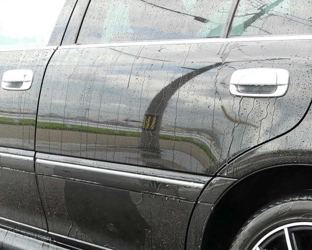 新車・中古車問わず圧倒的な鏡面感と輝き・撥水を与える鏡面仕上げボディコーティング剤ハイミラーコート施工後約八ヵ月の状態