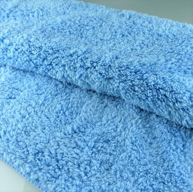 クルマのボディへのキズの原因になるタグもなく、全面ムートン加工されたソフトなマイクロファイバー繊維で安心して洗車や愛車ケアが可能