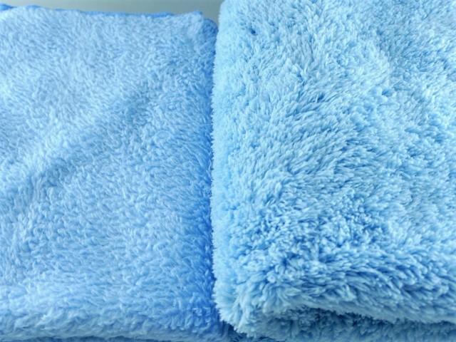 新しいムートンクロスでの洗車は従来以上にソフトでパイル加工された高密度の長い毛足がボディへの傷付きを防ぎながら確実に汚れを除去