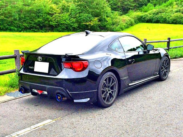 トヨタ86に新型ガラスコーティング『ゼウスα』を施工し、別次元の艶と光沢を得たコーティング評価・レビュー・口コミ