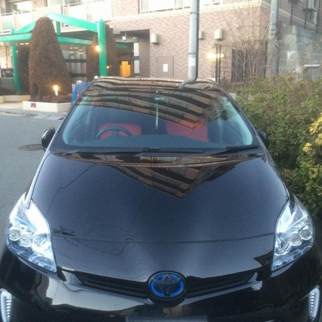 トヨタプリウスにハイブリッドナノガラスのコーティング・カーメンテナンス・洗車用品を使用したあとのお写真