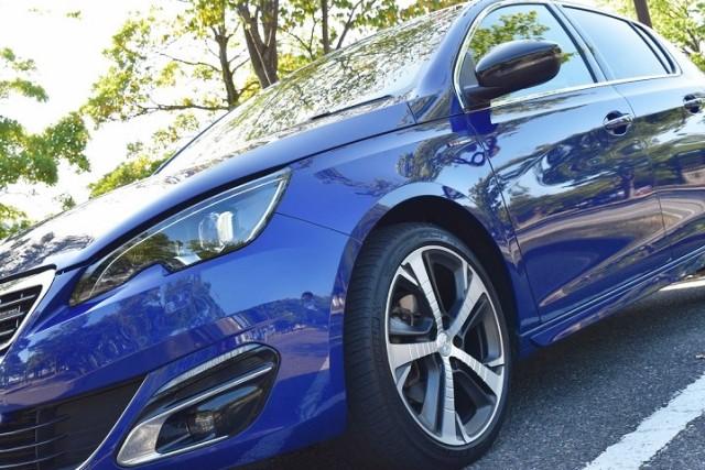 プジョー 308に洗車傷消し効果の高い新型ガラスコーティングスーパーゼウスを施工したコーティング評判・人気・評価・おすすめ・レビュー・口コミ
