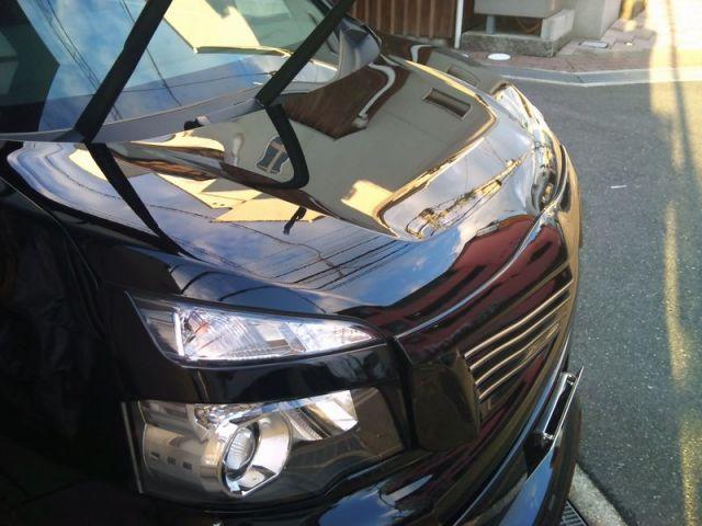 ガラスコーティングのハイブリッドナノガラスゼウスを施工したトヨタVOXY