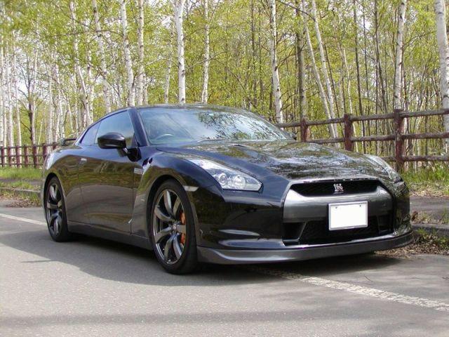 高濃度ポリマー系ガラスコーティング『ファイングロス』とコンディショナーをブレンド施工した日産 GT-R