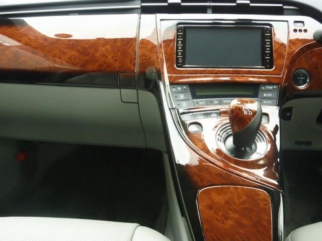 トヨタ プリウスのインテリアパネルに、本物のガラス被膜で強力コーティングする「D・アーマー」を施工したコーティング評価・レビュー・口コミ