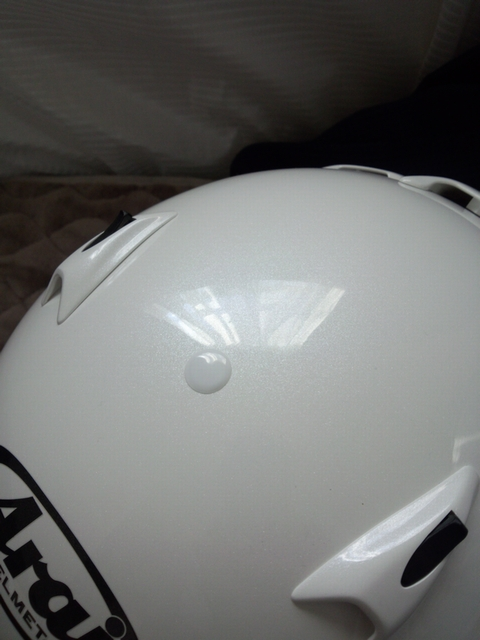 アライの白いヘルメットにハイブリッドナノガラス福袋2014(新型ガラスコーティングHG-14010)を施工したコーティング評価・レビュー・口コミ