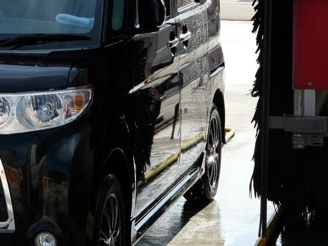 ダイハツタントはテスト車両として1か月以上もの間、洗車機を使用したテスト洗車や耐久テストを実施。