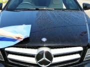 洗車後のボディについた水滴は基本的に拭き上げてからコーティングを施工するのがスーパーゼウス【Premium】のセオリー
