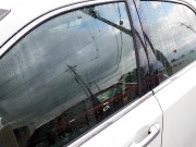 フロントガラスなど車のガラスにもマジックベールは使用できますが、より高レベルの視認性や耐久性をお求めの場合は専用品を推奨します