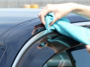 コーティング用品の専門店ハイブリッドナノガラスの車専用マイクロファイバークロスは細かな隙間にも最適です
