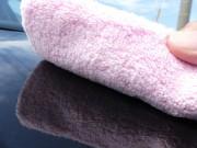 コーティング専用に開発されたクロス/マイクロファイバークロス極【改】はタグやフチ縫いも無い特殊製法で作られ様々なカーケアに最適