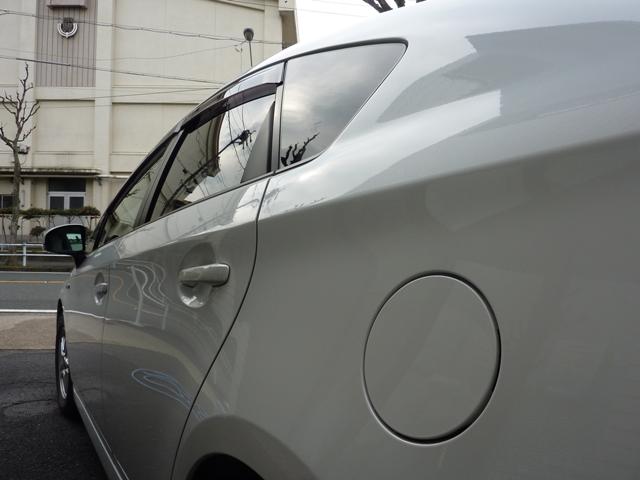 ガスコーティングのハイブリッドナノガラスのゼウスを施工したトヨタプリウス