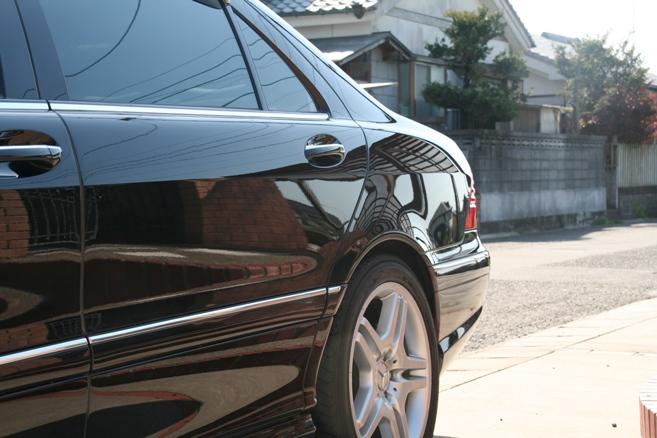 ガラスコーティングのハイブリッドナノガラスゼウスを施工したメルセデスベンツ AMG