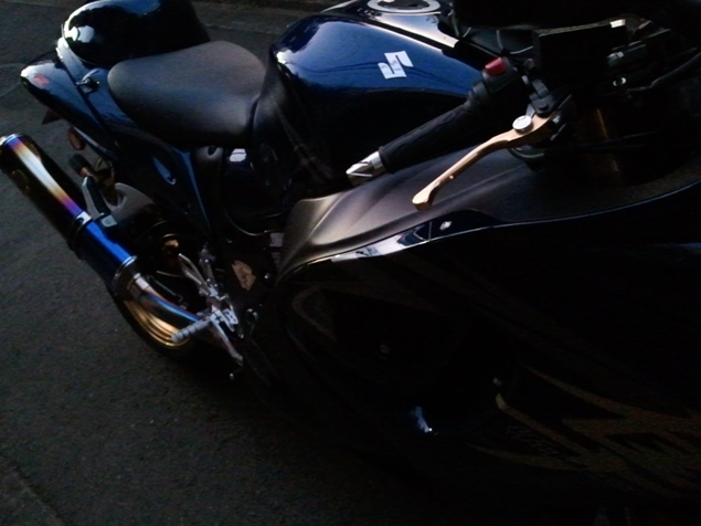 ガラスコーティングのハイブリッドナノガラスW-SHIELDを施工したバイク